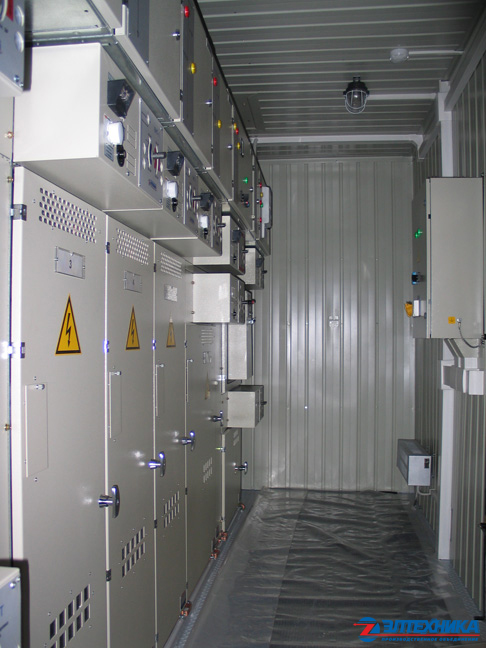 Complete transformer substations in metal housing